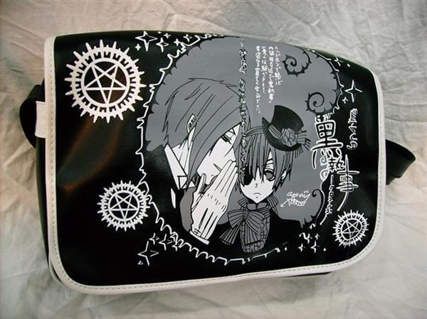 На картинке сумка Темный дворецкий (Kuroshitsuji) 3 варианта, вид спереди, вариант Черная.