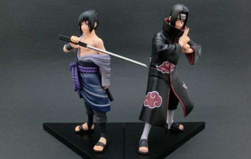На картинке фигурка Саске и Итачи (Наруто), общий вид.