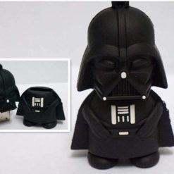 На картинке флешка Дарт Вейдер из Звездных Войн (Star Wars), общий вид.