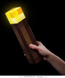 На картинке факел Майнкрафт (Minecraft) — Светится в темноте, общий вид.
