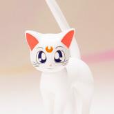 На картинке фигурка Сейлор Венера (Sailor Venus) — Сейлормун, ополнительная фигурка (кот Артемис).