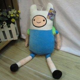 На картинке мягкая игрушка Фин «Время приключений» (Adventure time) 2 варианта, вид спереди.