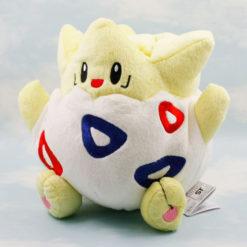 На картинке мягкая игрушка покемон Тогепи (Покемон), общий вид.
