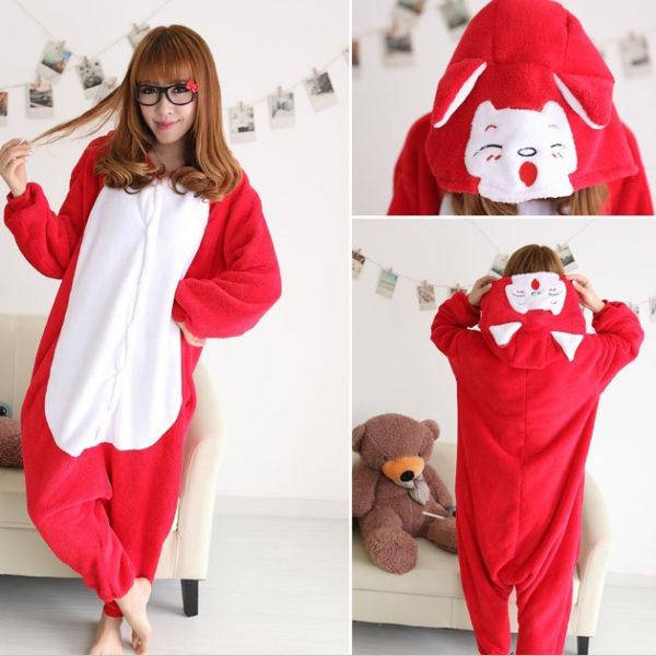 На картинке пижама-кигуруми «Лиса» (3 варианта), вид с разных сторон. вариант Красная лиса.