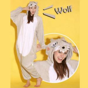 На картинке пижама-кигуруми «Волк», вид спереди.