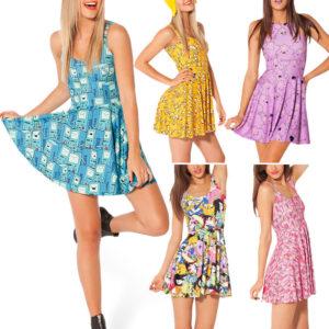 На картинке платье «Время приключений» (Adventure time) 5 вариантов, вид спереди и сбоку.