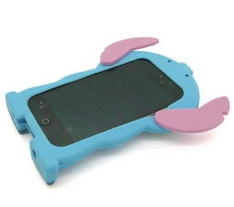 На картинке силиконовый чехол Стич на айфон 4-4S-5-5S (iPhone), вид сзади, цвет голубой.