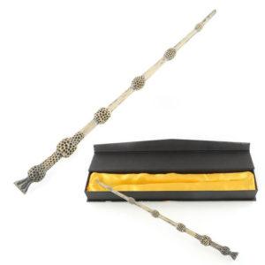На картинке бузинная волшебная палочка Альбуса Дамблдора, общий вид.