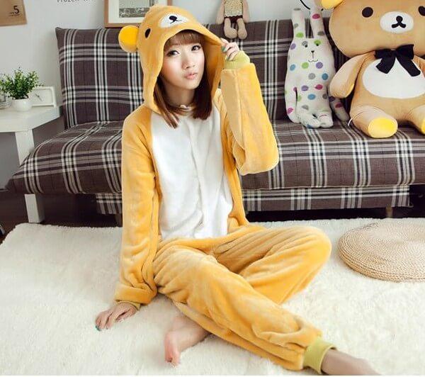 На картинке пижама-кигуруми медведь «Рилаккума» (Rilakkuma) a96b4ca1edb91