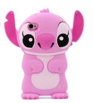 На картинке силиконовый чехол Стич на айфон 4-4S-5-5S (iPhone), вид спереди, цвет розовый.