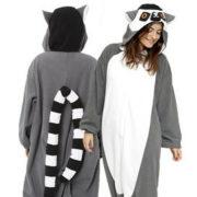 На картинке пижама-кигуруми «Лемур», вид спереди и сзади.