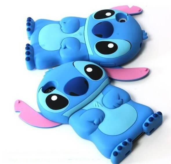 На картинке силиконовый чехол Стич на айфон 4-4S-5-5S (iPhone), общий вид, цвет голубой.