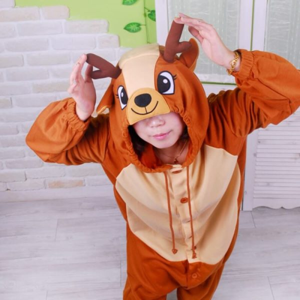 На картинке пижама-кигуруми «Олень», общий вид.
