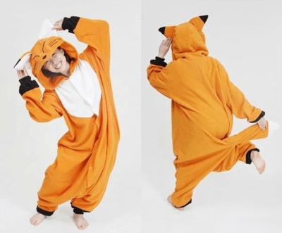 На картинке пижама-кигуруми «Лиса» (3 варианта), вид спереди и сзади. вариант Рыжая лиса.