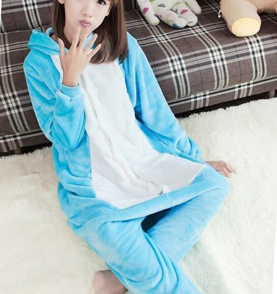 На картинке пижама-кигуруми «Слон», общий вид.