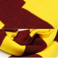 На картинке шарфы факультетов Хогвартса (Гарри Поттер), детали, вариант Гриффиндор.