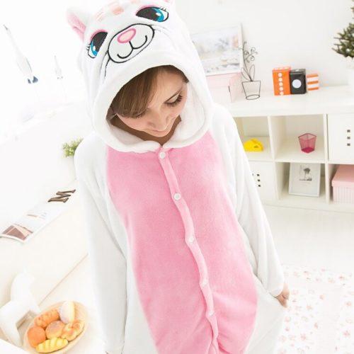 На картинке пижама-кигуруми «Кошка», общий вид.