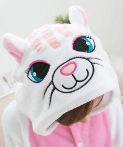 На картинке пижама-кигуруми «Кошка», вид сверху.