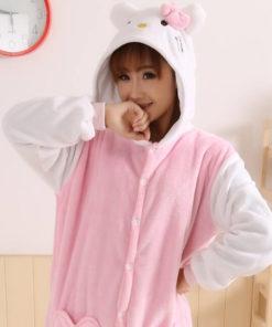 На картинке пижама-кигуруми «Hello kitty» (Хелло китти) 2 варианта, цвет розовый.