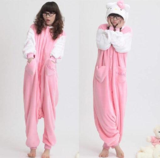 На картинке пижама-кигуруми «Hello kitty» (Хелло китти) 2 варианта, вид спереди, вариант 2.