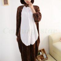 На картинке пижама-кигуруми «Бурундук» (Дисней), вид спереди.