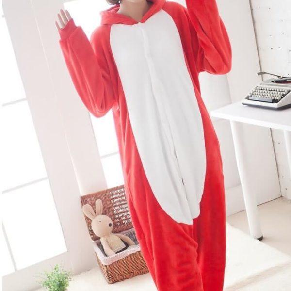 На картинке пижама-кигуруми «Angry birds», вид спереди.