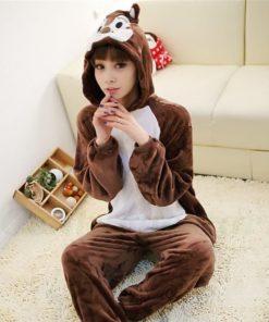 На картинке пижама-кигуруми «Бурундук» (Дисней), общий вид.