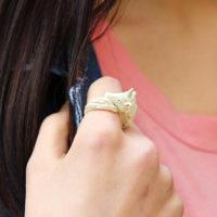 На картинке кольцо «Единорог» (4 цвета), общий вид, цвет желтый.