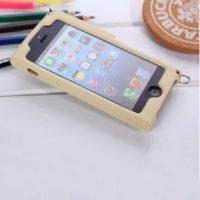 На картинке силиконовый чехол Микки и Минни на айфон 4-4S-5-5S (iPhone), вид сзади, вариант Микки.