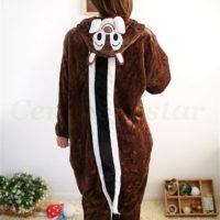 На картинке пижама-кигуруми «Бурундук» (Дисней), вид сзади.