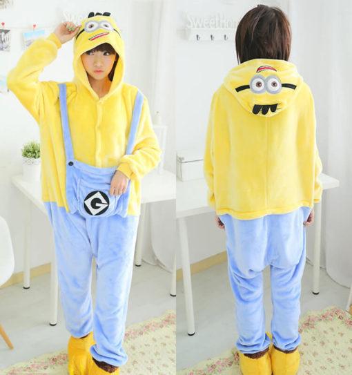 На картинке пижама-кигуруми «Миньон» (Гадкий я), вид спереди и сзади.