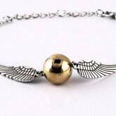 На картинке браслет «Снитч» (Гарри Поттер) — Серебряный и Бронзовый, вариант Серебряный.