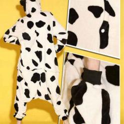 На картинке пижама-кигуруми «Корова», детали.