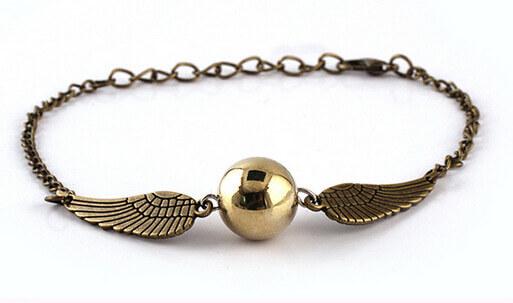 На картинке браслет «Снитч» (Гарри Поттер) — Серебряный и Бронзовый, вариант Бронзовый.