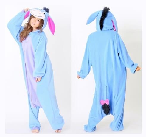На картинке пижама-кигуруми «Осел Иа» (Disney) Дисней, вид спереди и сзади.