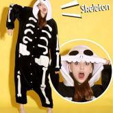 На картинке пижама-кигуруми «Скелет», вид спереди.