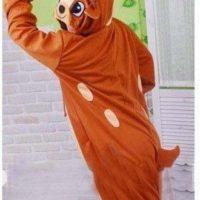 На картинке пижама-кигуруми «Олень», вид сзади.