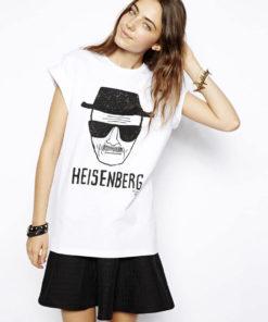 На картинке футболка Хайзенберг (Heisenberg) женская, вид спереди.