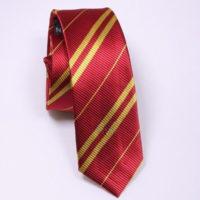 На картинке галстук Гриффиндора (Хогвартса), общий вид.
