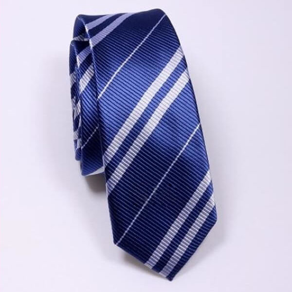 На картинке галстук Когтеврана (Хогвартса), общий вид.