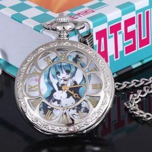 На картинке карманные часы «Вокалоид Мику» (Vocaloid), вид спереди.