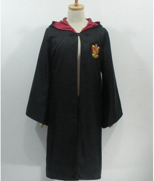 На картинке мантия Гриффиндора из Гарри Поттера, вид спереди.