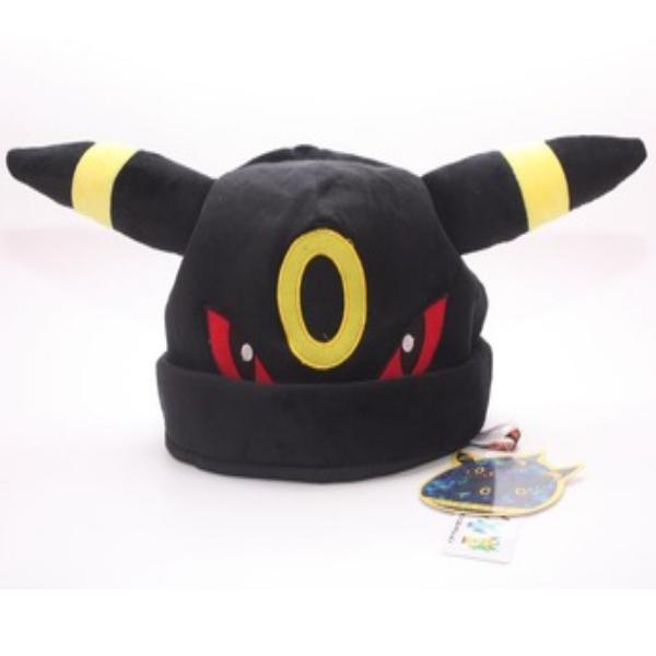 На картинке шапка «Покемон» 3 варианта, вид спереди, цвет черный.