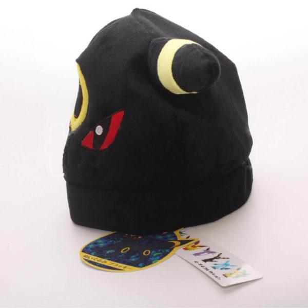На картинке шапка «Покемон» 3 варианта, вид сбоку, вариант Амбреон.