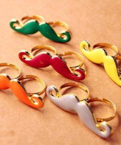 На картинке кольцо с усами (усиками), общий вид, 5 вариантов.