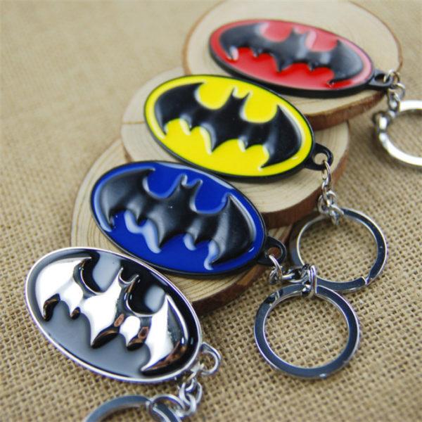 На картинке брелок «Бэтмен», общий вид, 4 варианта.
