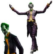 На картинке фигурка Джокера, общий вид.