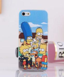 На картинке чехол с Симпсонами на айфон (для iphone) 5-5S-6, вид спереди.