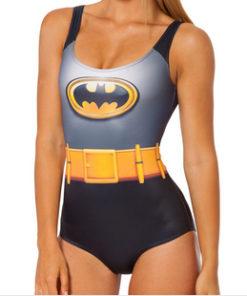На картинке купальник «Бэтмен», вид спереди.