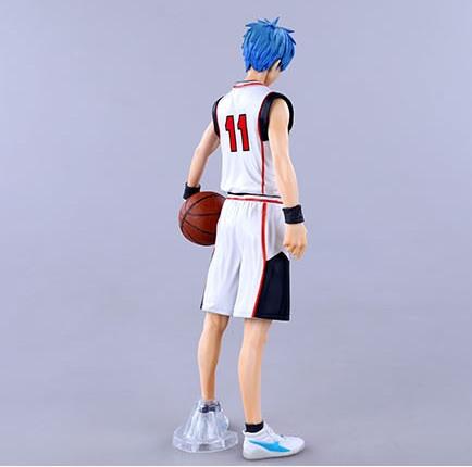 На картинке фигурка Тетсуя Куроко (Kuroko Tetsuya) Баскетбол Куроко, вид сзади.